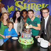 NLD/Amsterdam/20120919- Perspresentatie musical Shrek, cast, Vajen van den Bosch, William Spaaij, Zoe Rijken, Kim Lian van der Meij en Rogier Komproe