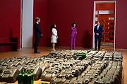 AMSTERDAM, 18-05-2021, Rijksmuseum<br /> <br /> Koning willem Alexander tijdens de tentoonstelling Slavernij in het Rijksmuseum in Amsterdam. Wegens de geldende maatregelen ter bestrijding van COVID-19 wordt de tentoonstelling vooralsnog de eerste weken speciaal opengesteld voor scholen van het voortgezet onderwijs uit de regio. Zodra dat mogelijk is volgt opening voor het algemene publiek. De tentoonstelling Slavernij is vanaf 18 mei wel voor iedereen online toegankelijk. FOTO: Brunopress/Patrick van Emst<br /> <br /> King Willem Alexander during the Slavery exhibition in the Rijksmuseum in Amsterdam. Due to the measures in force to combat COVID-19, the exhibition will be specially opened for secondary schools in the region for the first few weeks. Opening for the general public will follow as soon as possible. The Slavery exhibition will be accessible to everyone online from 18 May.