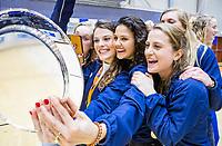 ROTTERDAM  - selfie met de schaal, vlnr Elin van Erk (Laren) , Pam van Asperen (Laren) , Macey de Ruiter (Laren) en Klaartje de Bruijn (Laren) . finale NK  zaalhockey hoofdklasse, Kampong D1-Laren D1 (2-4) .   COPYRIGHT  KOEN SUYK