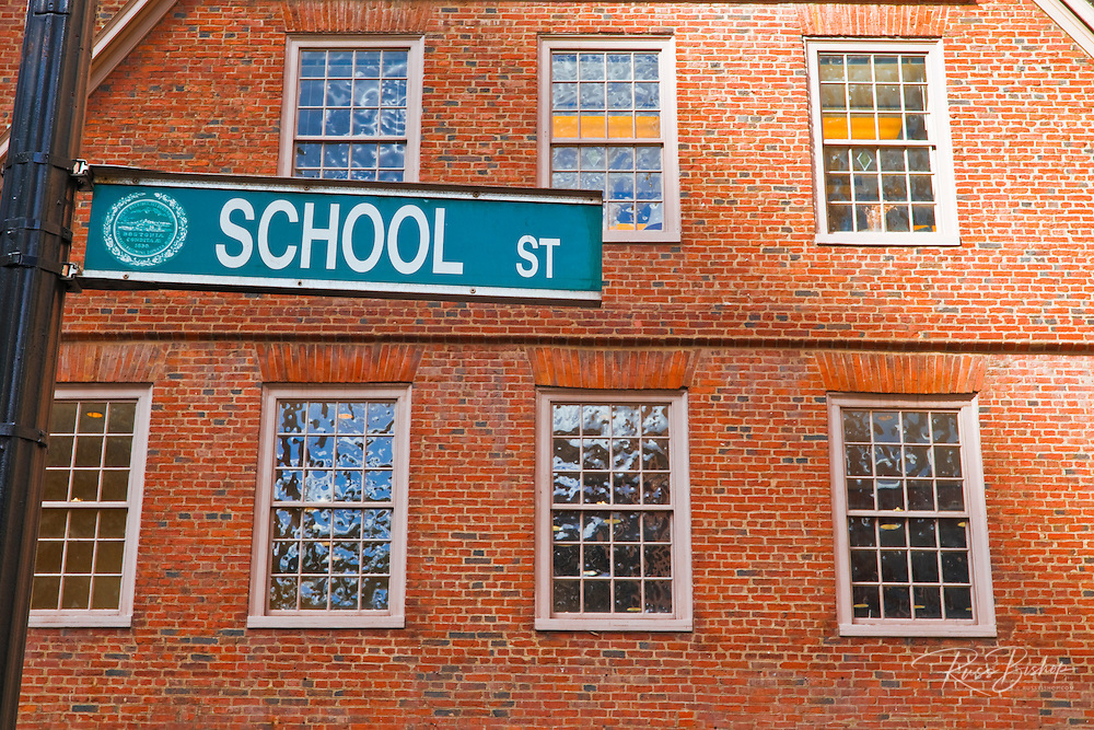 The Old Corner Bookstore on School street, Freedom Trail, Boston, Massachusetts