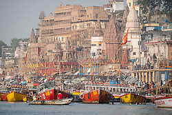 May 18, 2019 - Varanasi, India - On 18 May 2018, row boats tied up near the Munshi Ghat on the Ganges River, which is considered to be holy and pure in the Hindu religion. Photo taken in the city of Varanasi, India. (Credit Image: © Diego Cupolo/NurPhoto via ZUMA Press)