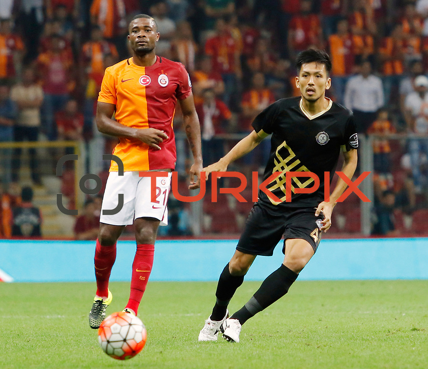 Galatasaray's Chedjou (L) and Osmanlispor's Takayuki Seto (R) during their Turkish Super League soccer match Galatasaray between Osmanlispor at the AliSamiYen Spor Kompleksi TT Arena at Seyrantepe in Istanbul Turkey on Monday, 24 August 2015. Photo by Aykut AKICI/TURKPIX
