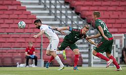 Patrick Kristensen (AaB) stopper Michael Santos (FC København) under kampen i 3F Superligaen mellem FC København og AaB den 17. juni 2020 i Telia Parken, København (Foto: Claus Birch).