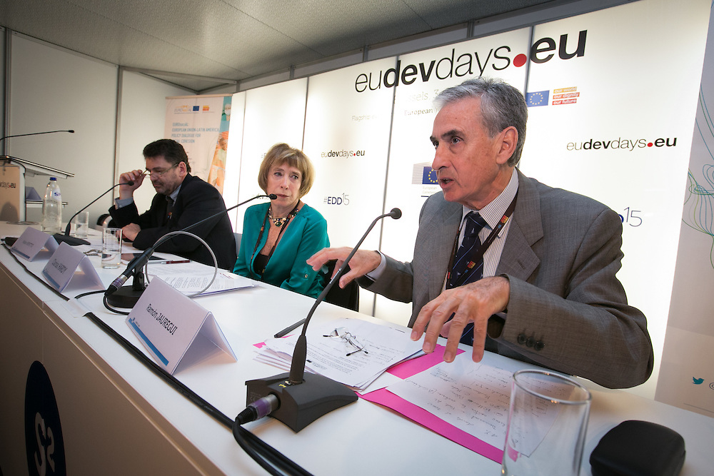 03 June 2015 - Belgium - Brussels - European Development Days - EDD - Inclusion - Euro-Latin American policy dialogue for social cohesion - Fabián Repetto , Programme director for Social Protection at Argentina's CIPPEC (Center for the Implementation of Public Policies Promoting Equity and Growth) - Clarisa Hardy , Director, Fundacion Dialoga, Chile - Ramón Jáuregui , Member of the European Parliament, Delegation to the Euro-Latin American Parliamentary Assembly (EU Parliament) © European Union