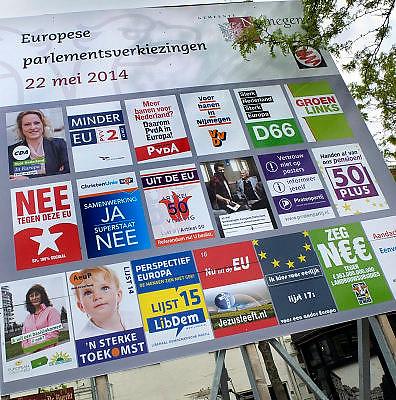 Nederland, Nijmegen, 26-4-2014Verkiezingsbord in de stad vanwege de komende verkiezingen voor het europees parlement.Vanwege koningsdag loopt er veel oranje.Foto: Flip Franssen/Hollandse Hoogte