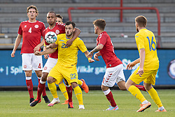 Nikolas Nartey (Danmark) kæmper med Serhiy Buletsa (Ukraine) under U21 EM2021 Kvalifikationskampen mellem Danmark og Ukraine den 4. september 2020 på Aalborg Stadion (Foto: Claus Birch).