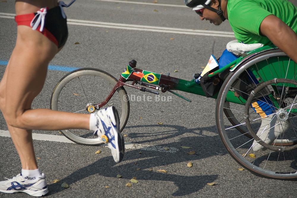 runner and handicapped runner at the New York marathon