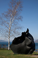 Toyako Sculpture Park encircles Lake Toya and passes through both Toyako and Sobetsu towns. Spread over a distance of 43 km this outdoor sculpture park contains a total of 58 works.