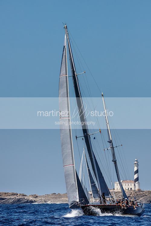XII COPA DEL REY- PANERAI<br /> VELA CLÁSICA MENORCA 2015 Vertical views of classic boats