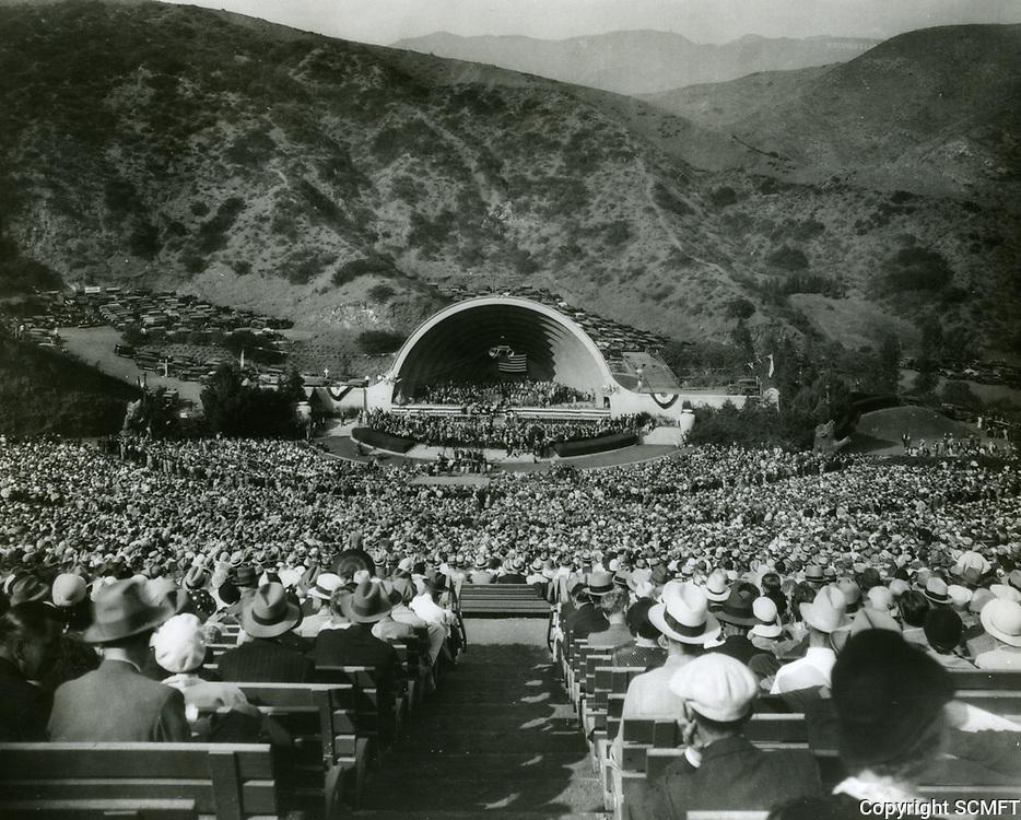 1932 Franklin D. Roosevelt speaks at the Hollywood Bowl