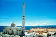 Spanje, Gibraltar, 1-6-2000De enkele jaren oude moskee van Gibraltar, gelegen op de zuidpunt van de rots. Geschonken door koning Fahd van Saoudi Arabie. Er leven veel Marokkanen als gastarbeiders op de rots.Britse kroonkolonie. Spanje wil de rots terug.Foto: Flip Franssen