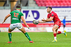 Gareth Davies of Scarlets in action during todays match<br /> <br /> Photographer Craig Thomas/Replay Images<br /> <br /> Guinness PRO14 Round 3 - Scarlets v Benetton Treviso - Saturday 15th September 2018 - Parc Y Scarlets - Llanelli<br /> <br /> World Copyright © Replay Images . All rights reserved. info@replayimages.co.uk - http://replayimages.co.uk