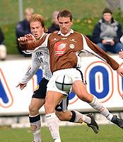 Fotball 2. divisjon 03.10.05 Rosenborg 2 - Mo IL<br /> Torstein Vassdal, Mo og Steffen Mathisen. RBK<br /> Foto: Carl-Erik Eriksson, Digitalsport