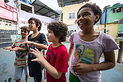 02.08.2016, Favela Rocinha, Rio de Janeiro, BRA, Rio 2016, Olympische Sommerspiele, Vorberichte, im Bild Kinder // kids play in the Favela during preparation for the Rio 2016 Olympic Summer Games at the Favela Rocinha in Rio de Janeiro, Brazil on 2016/08/02. EXPA Pictures © 2016, PhotoCredit: EXPA/ Johann Groder