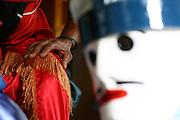Inhauma_MG, Brasil...Folia de Reis em uma casa no Distrito dos Maias em Inhauma, na foto uma mao no ombro de uma pessoa com adereco...Folia de Reis in a house in the Distrito dos Maias in Inhauma, in this photo a hand on the shoulder...Foto: LEO DRUMOND / NITRO
