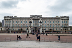 © Licensed to London News Pictures. 17/03/2020. London, UK. Buckingham Palace is empty of visitors as the Coronavirus outbreak spreads in London. Photo credit: Ray Tang/LNP