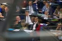 DEU, Deutschland, Germany, Berlin, 27.11.2019: Blick in die Reihen der AfD-Bundestagsfraktion (Alternative für Deutschland, AfD) bei einer Plenarsitzung im Deutschen Bundestag. Spiegelung von Alexander Gauland und Alice Weidel (beide AfD) im Bild mit Bundesfinanzminister Olaf Scholz (SPD) und Bundeskanzlerin Dr. Angela Merkel (CDU).