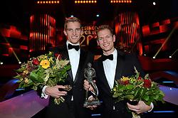 17-12-2013 ALGEMEEN: SPORTGALA NOC NSF 2013: AMSTERDAM<br /> In de Amsterdamse RAI vindt het traditionele NOC NSF Sportgala weer plaats.(L-R) Robert Meeuwsen en Alexander Brouwer met hun trofeeen tijdens het NOC*NSF sportgala 2013<br /> ©2013-FotoHoogendoorn.nl