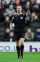 Photo: Leigh Quinnell/Sportsbeat Images.<br /> Milton Keynes Dons v Chesterfield. Coca Cola League 2. 24/11/2007. Referee Phil Joslin.