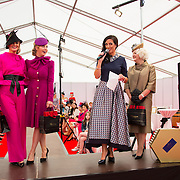 09.10.2016           <br /> Lisa McGowan announce the winners of  the Keanes Jewellers Best dressed competition at Limerick Racecourse. Picture: Alan Place