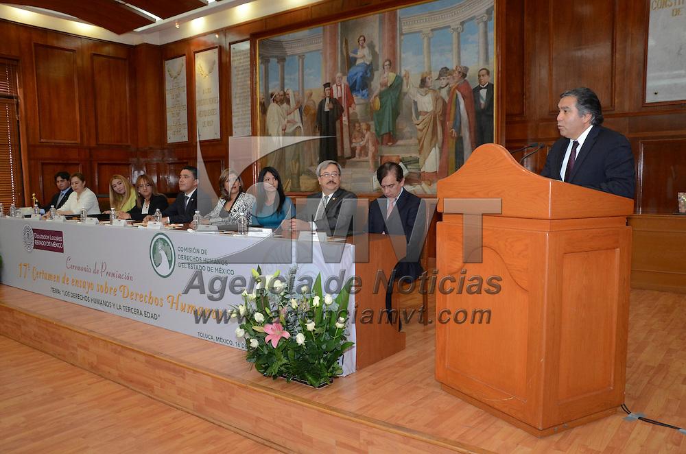 Toluca, Méx.- La Comisión de Derechos Humanos del Estado de México, que preside Baruch Delgado Carbajal, entrego los premios del certamen de ensayo de Derechos Humanos para los adultos mayores en la cámara de diputados. Agencia MVT / José Hernández