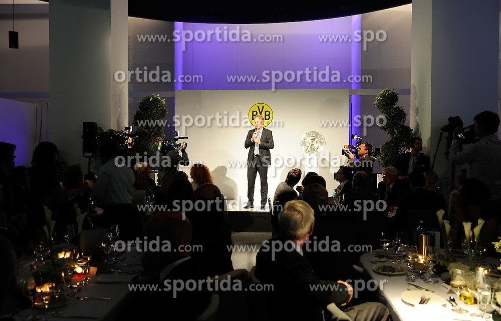 14.05.2011, U-Haus, Dortmund, GER, 1.FBL, Borussia Dortmund Meisterbankett im Bild PAnsprache von Geschäftsführer Hans-Joachim WATZKE //   German 1.Liga Football ,  Borussia Dortmund Championscelebration, Dortmund, 14/05/2011 . EXPA Pictures © 2011, PhotoCredit: EXPA/ nph/  Conny Kurth       ****** out of GER / SWE / CRO  / BEL ******