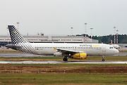 EC-LRM Vueling Airbus A320-200