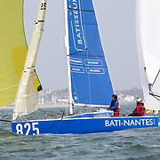 SERIE 825 / Matthieu PERRAUT