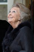 Prinses Mabel heeft in de Grote Kerk in Vlaardingen namens de mede door haar opgerichte organisatie Girls Not Brides de Geuzenpenning in ontvangst genomen.<br /> <br /> In the Grote Kerk in Vlaardingen, Princess Mabel received the Geuzen Medal on behalf of the organization Girls Not Brides, which she co-founded.<br /> <br /> op de foto / On the photo: <br />  Prinses Beatrix Prinses Beatrix