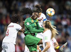 6?10???????????????Christine Sinclair () of Canada????????????????Aurelle Awona () of Cameroon???..???????????????2019?6?11?.    ?????????——E??????????????.    ?????????????2019??????????E???????????1?0??????.    ?????????..(SP)FRANCE-RENNES-2019 FIFA WOMEN'S WORLD CUP-GROUP E-CANADA VS CAMEROON..(190611) -- MONTPELLIER, June 11, 2019  the group E match between Canada and Cameroon at the 2019 FIFA Women's World Cup in Montpellier, France on June 10, 2019. Canada won 1-0. (Credit Image: © Xinhua via ZUMA Wire)