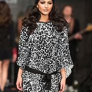 NLD/Amsterdam/20140313 - Modeshow Danie Bles 2014, mannequins op de catwalk