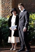 Hare Koninklijke Hoogheid Prinses Alexia, de jongste dochter van Zijne Koninklijke Hoogheid de Prins van Oranje en Hare Koninklijke Hoogheid Prinses Máxima, is zaterdag 19 november 2005 gedoopt in de Dorpskerk in Wassenaar. <br /> <br /> Baptism of Princess Alexia, the youngest daughter of Prince Willem-Alexander and Princess Máxima. Princess Alexia (born June 26, 2005) has been baptized in the church in Wassenaar. The ceremony was attended by The Dutch Royal Family and the parents of Princess Máxima.  <br /> <br /> Op de foto / On the photo:<br /> <br /> De heer Juan Zorreguieta ( broer maxima) en Mevrouw Dolores Zorreguieta <br /> <br /> Mr Juan Zorreguieta (brother maxima) and Ms Dolores Zorreguieta