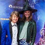 NLD/Ede/20140615 - Premiere film Heksen bestaan niet, Leontien Borsato - Ruiters en zoon  Senna