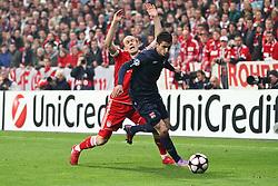 21-04-2010 VOETBAL: BAYERN MUNCHEN - OLYMPIQUE LYON: MUNCHEN<br /> Halve finale Champions League / Arjen Robben en Maxime Gonalons<br /> ©2010-FRH-nph / Straubmeier