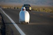 Gareth Hanks op de zesde racedag van de WHPSC. In de buurt van Battle Mountain, Nevada, strijden van 10 tot en met 15 september 2012 verschillende teams om het wereldrecord fietsen tijdens de World Human Powered Speed Challenge. Het huidige record is 133 km/h.<br /> <br /> Gareth Hanks on the sixth day of the WHPSC. Near Battle Mountain, Nevada, several teams are trying to set a new world record cycling at the World Human Powered Vehicle Speed Challenge from Sept. 10th till Sept. 15th. The current record is 133 km/h.