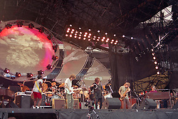 Steve Winwood and Traffic, with Rosko Gee and others, Live at Giants Stadium 03 August 1994