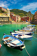 Photo of the fishing port of Manarola, Cinque Terre National Park, Liguria, Italy .<br /> <br /> Visit our CINQUE TERRE PHOTO COLLECTIONS for more  photos  to download or buy as prints https://funkystock.photoshelter.com/gallery/Cinque-Terre-Pictures-Photos-of-Cinque-Terre-Italy/G0000gYEYY_aCqgI/C0000qxA2zGFjd_k<br /> If you prefer to buy from our ALAMY PHOTO LIBRARY  Collection visit : https://www.alamy.com/portfolio/paul-williams-funkystock/vernazza-cinque-terre.html