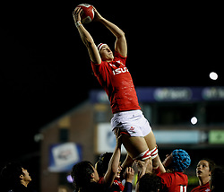 Mel Clay of Wales Women claims the lineout<br /> <br /> Photographer Simon King/Replay Images<br /> <br /> Friendly - Wales Women v Hong Kong Women - Friday  16th November 2018 - Cardiff Arms Park - Cardiff<br /> <br /> World Copyright © Replay Images . All rights reserved. info@replayimages.co.uk - http://replayimages.co.uk