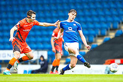 Sid Nelson of Chesterfield takes on Matthew Bloomfield of Wycombe Wanderers - Mandatory by-line: Robbie Stephenson/JMP - 28/04/2018 - FOOTBALL - Proact Stadium - Chesterfield, England - Chesterfield v Wycombe Wanderers - Sky Bet League Two