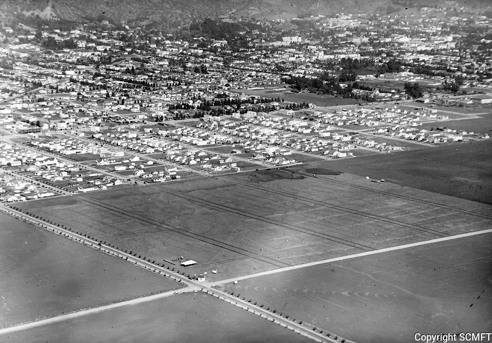 1922 Looking NE towards the intersection of Melrose Ave. & Fairfax Ave.