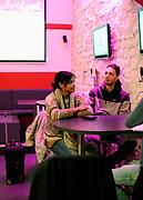 DESCRIZIONE : Championnat de France Pro a Poitiers au Cafe Drop N Shot  de Pierre Yves Guillard<br /> GIOCATORE : Evan Fournier Laura son amie<br /> SQUADRA : Poitiers  <br /> EVENTO : Magazine Pro A<br /> GARA : <br /> DATA : 14/12/2011<br /> CATEGORIA : Basketball France Homme  Magazine Poitiers <br /> AUTORE : JF Molliere<br /> Galleria : France Basket 2011-2012 Magazine<br /> Fotonotizia : Championnat de France Basket Pro A Poitiers au Cafe Drop N Shot  de Pierre Yves Guillard<br /> Predefinita :