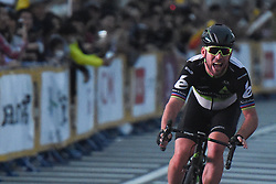 November 4, 2017 - Saitama, Japan - Mark Cavendish (Dimension Data) sprints to win the 58.9km Main Race, during the 5th edition of TDF Saitama Criterium 2017 ..On Saturday, 4 November 2017, in Saitama, Japan. (Credit Image: © Artur Widak/NurPhoto via ZUMA Press)