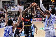 DESCRIZIONE : Campionato 2014/15 Serie A Beko Dinamo Banco di Sardegna Sassari - Upea Capo D'Orlando<br /> GIOCATORE : Sek Henry<br /> CATEGORIA : Tiro Penetrazione<br /> SQUADRA : Upea Capo D'Orlando<br /> EVENTO : LegaBasket Serie A Beko 2014/2015<br /> GARA : Dinamo Banco di Sardegna Sassari - Upea Capo D'Orlando<br /> DATA : 22/03/2015<br /> SPORT : Pallacanestro <br /> AUTORE : Agenzia Ciamillo-Castoria/L.Canu<br /> Galleria : LegaBasket Serie A Beko 2014/2015