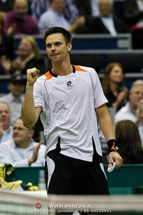 NLD/Rotterdam/20100214 - ABN - AMRO tennistoernooi 2010, finale Michail Joezjni - Robin Söderling
