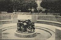 Zagreb : Zdenac na Sveučilišnom trgu. <br /> <br /> ImpresumZagreb : Naklada S. Marković, [1915].<br /> Materijalni opis1 razglednica : tisak ; 9 x 13,9 cm.<br /> NakladnikNaklada S. Marković<br /> Vrstavizualna građa • razglednice<br /> ZbirkaGrafička zbirka NSK • Zbirka razglednica<br /> ProjektPozdrav iz Zagreba • Pozdrav iz Hrvatske<br /> Formatimage/jpeg<br /> PredmetZagreb –– Trg Republike Hrvatske<br /> SignaturaRZG-TMT-7<br /> Obuhvat(vremenski)20. stoljeće<br /> NapomenaRazglednica je putovala 1915. godine.<br /> PravaJavno dobro<br /> Identifikatori000953126<br /> NBN.HRNBN: urn:nbn:hr:238:248858 <br /> <br /> Izvor: Digitalne zbirke Nacionalne i sveučilišne knjižnice u Zagrebu