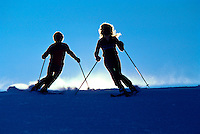 Skiing Couple Siloette