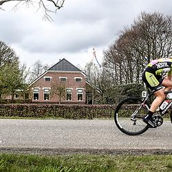08-04-2016: Wielrennen: Energiewachttour vrouwen: Stadskanaal <br />Attack Esra Tromp in stage 3