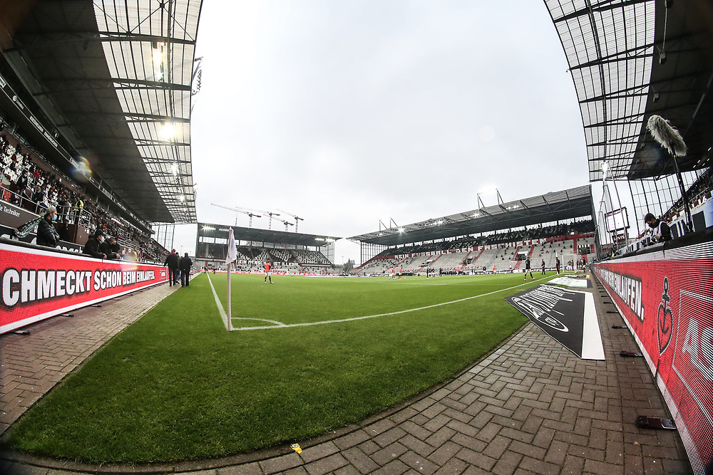 Fussball: 2. Bundesliga, FC St. Pauli - 1. FC Heidenheim, Hamburg, 27.09.2020<br /> Stadion, Millernotr, Zuschauer, Corona, Fan, Fans<br /> © Torsten Helmke