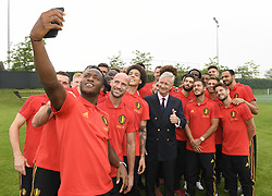 June 9, 2018 - Tubize, BELGIUM - King Philippe - Filip of Belgium poses for a selfie with Red Devils, Michy Batshuayi, Laurent Ciman, Axel Witsel, Eden Hazard and Dries Mertens, at a Royal visit to a training session of the Belgian national soccer team Red Devils, Saturday 09 June 2018, in Tubize. The Red Devils started their preparations for the upcoming FIFA World Cup 2018 in Russia...BELGA PHOTO POOL PHILIPPE CROCHET (Credit Image: © Pool Philippe Crochet/Belga via ZUMA Press)
