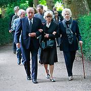 NLD/Amsterdam/20110729 - Uitvaart actrice Ina van Faassen, Petra Laseur en Ellen Vogel